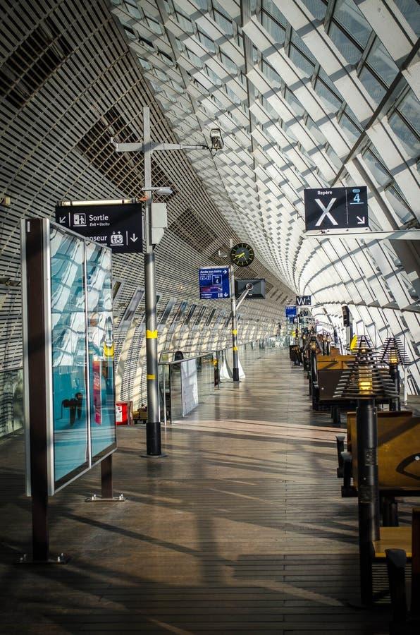 Europa: Modern Stationbinnenland stock afbeeldingen