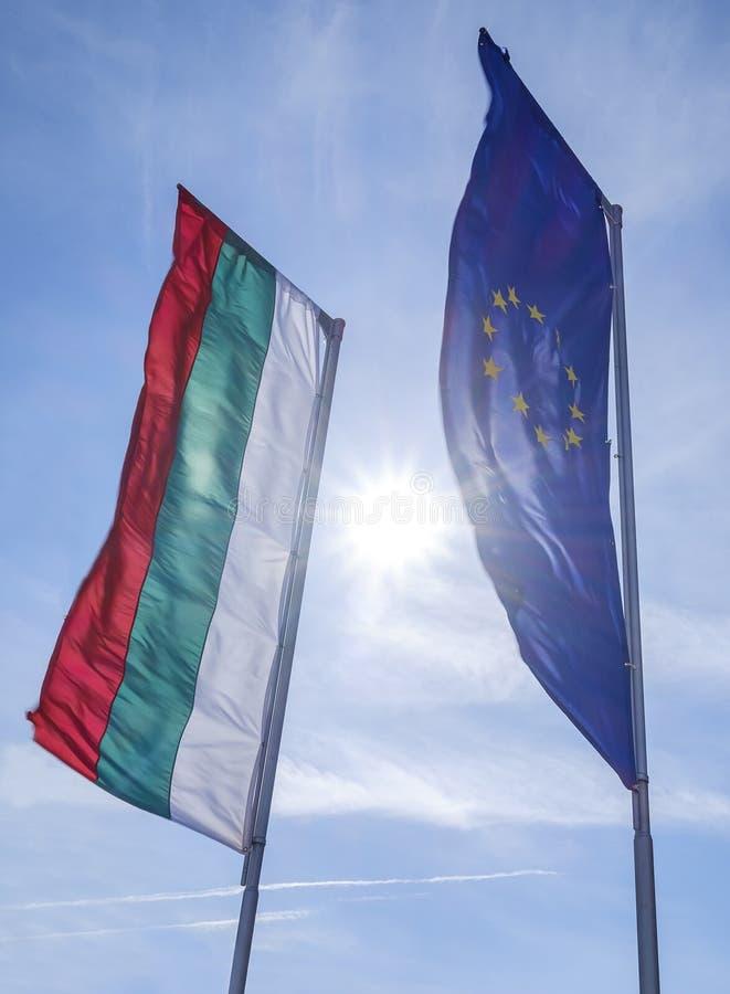 Europa och Bulgarienflaggor arkivfoton