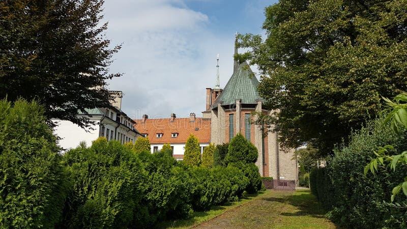 europa poland Città di Yaslo Monastero della parrocchia dei francescani e del santuario di Sant'Antonio di Padova immagini stock libere da diritti