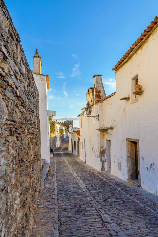 Europa, Portugal, Alentejo-Straßenansicht von Monsaraz-Stadt lizenzfreie stockfotografie
