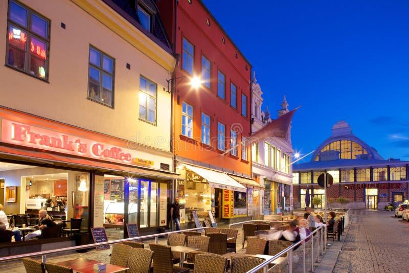 Europa, Scandinavië, Zweden, Gothenburg, Koffie & Marktzaal op Vallgatan bij Schemer royalty-vrije stock foto