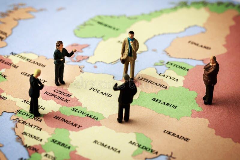 Europa toppmöte - tillstånds- och regeringledaremöte och diskussion royaltyfri fotografi