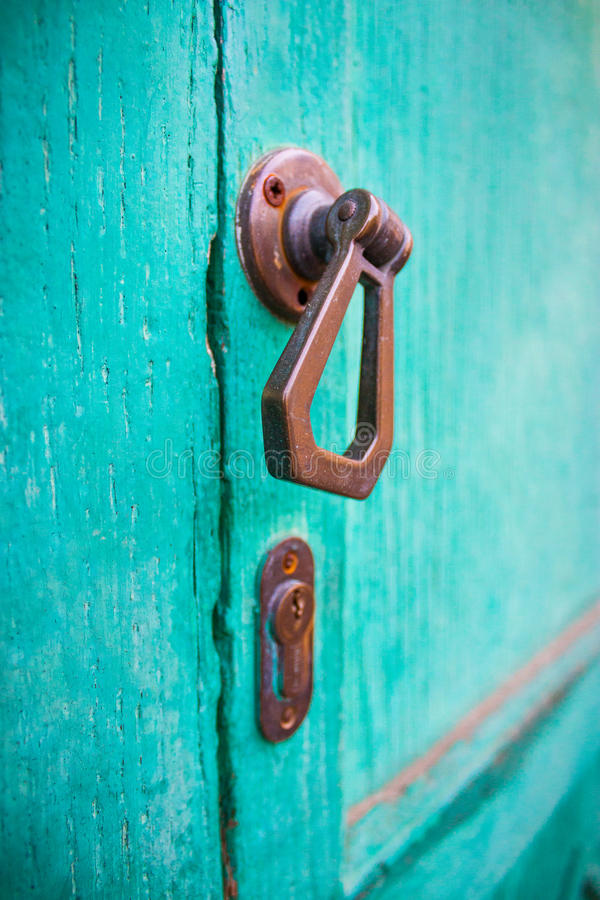Europees deurhandvat stock foto