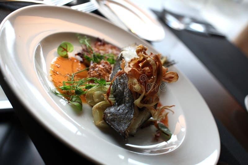 Europeisk kokkonst för restaurang, piggvarbiff fotografering för bildbyråer