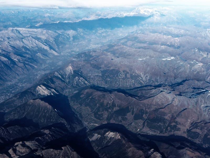 Europeiska berg för flyg- sikt arkivbild