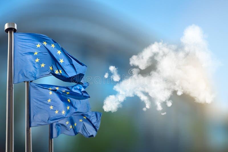 Europeiska fackliga flaggor och översikt av Europa arkivfoton