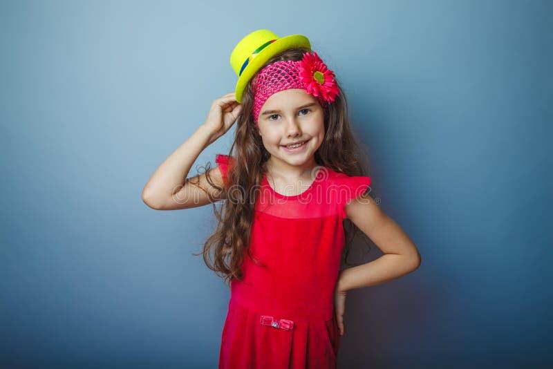 Europeiskt utseendemässigt haired barn för flicka av sju arkivbild