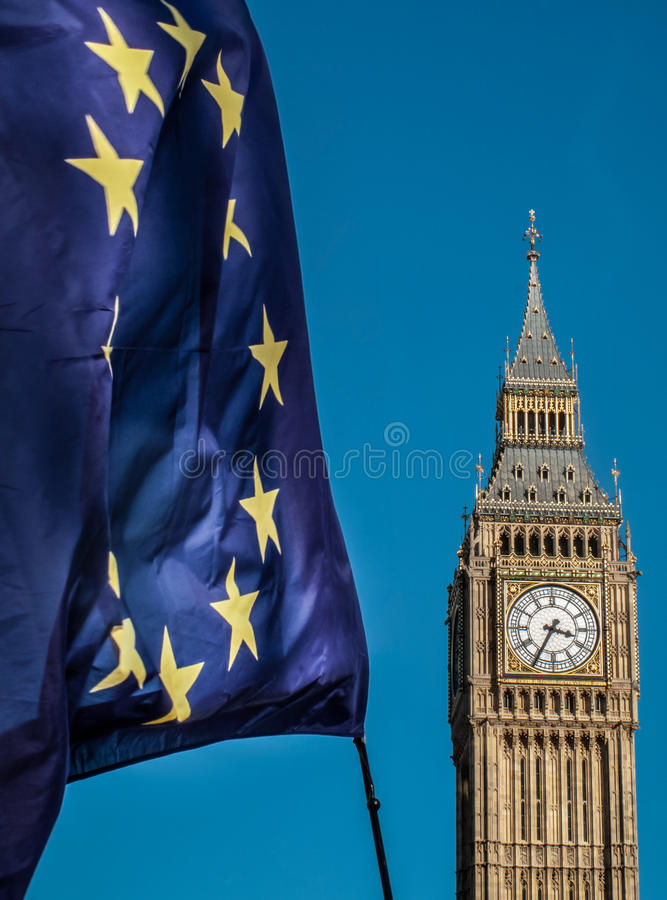 Europejska Zrzeszeniowa flaga przed Big Ben, Brexit UE zdjęcia royalty free