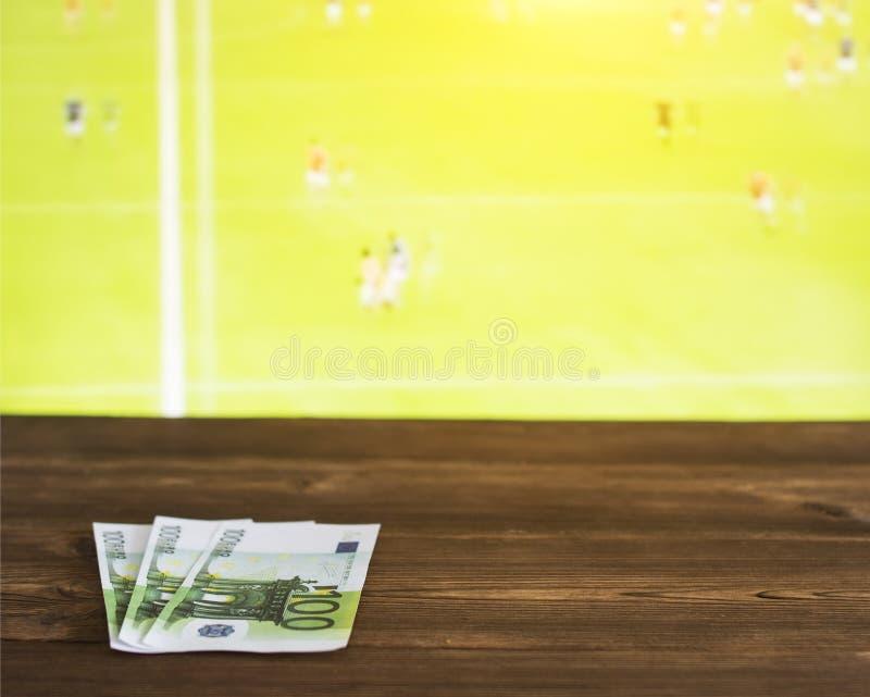 Europengar på bakgrunden av TV:N på som ersisk fotboll för show, sportar som slå vad, Gaelic Football royaltyfria bilder