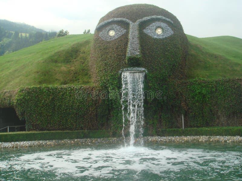 Europese kunstmatige de tuinmening van watervalkubieke meter stock foto's