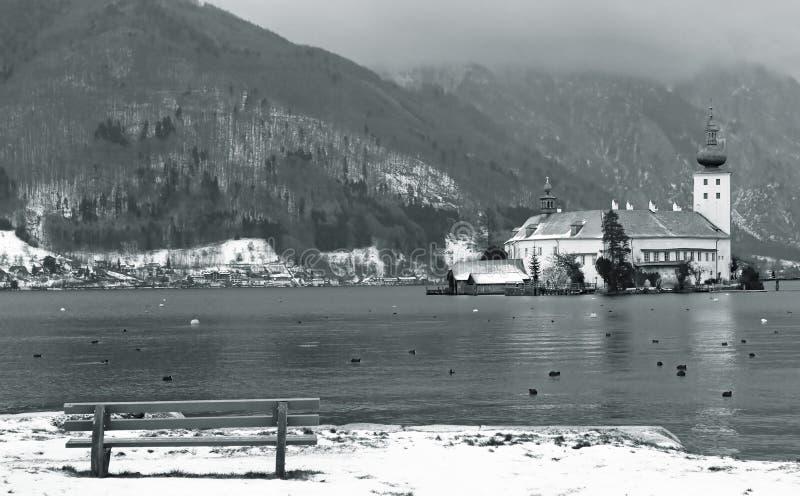Europese oude stad dichtbij de berg bij de winter royalty-vrije stock foto