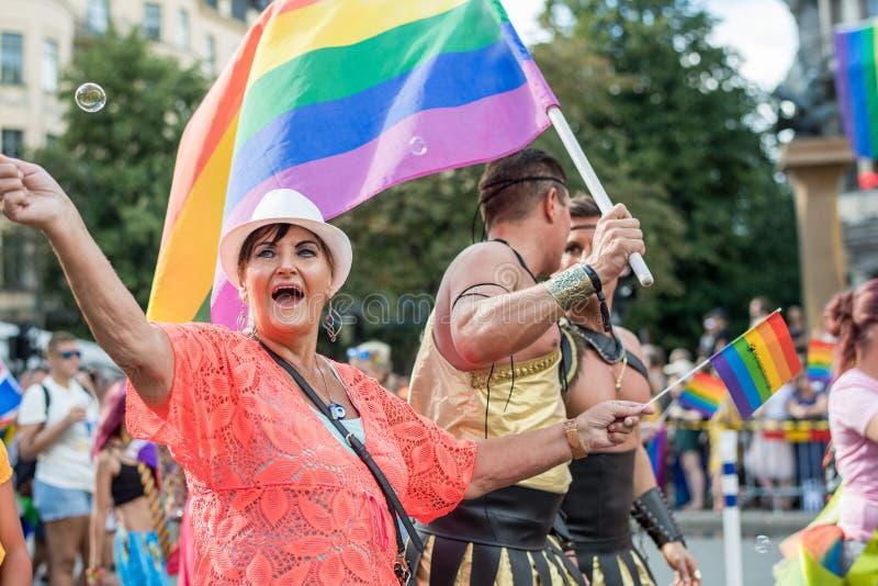 EuroPride 2018 com Éstocolmo Pride Parade imagens de stock royalty free