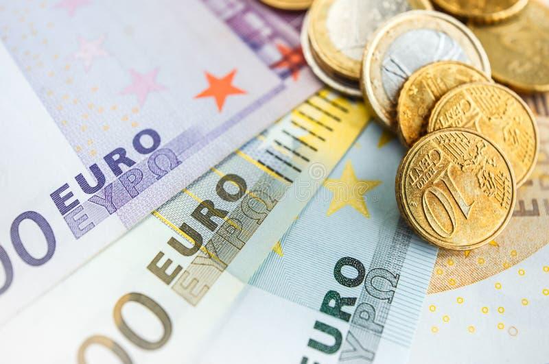Euroräkningar för bakgrund allra royaltyfria bilder