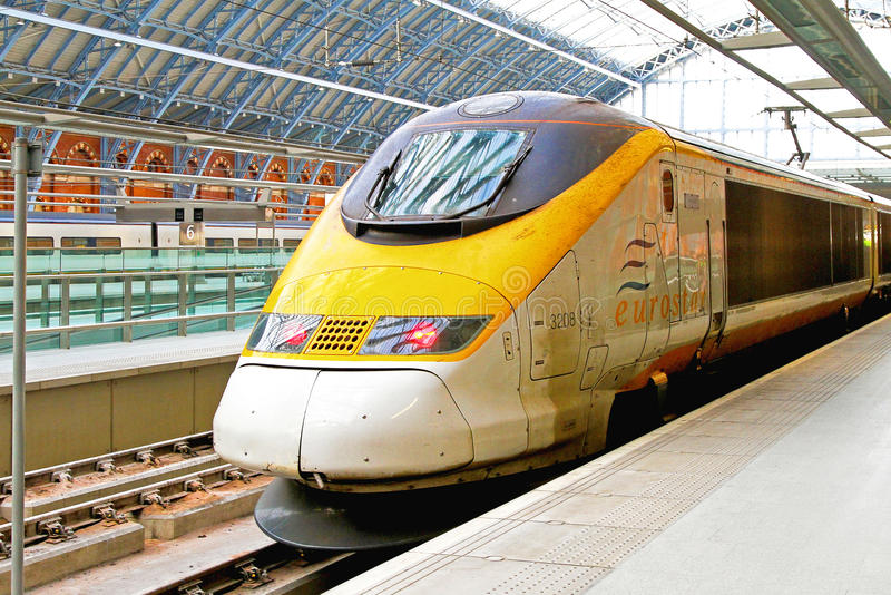 Eurostar тренирует стоковые изображения rf