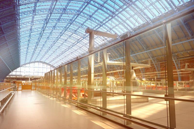 Eurostar terminal przy królewiątka St Pancras Przecinającą stacją w Londyn fotografia royalty free