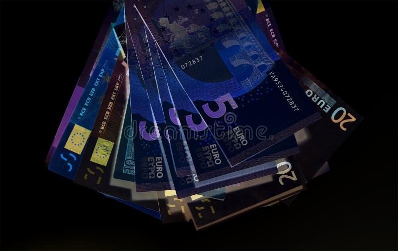 Eurovaluta & x28; sedlar & x29; i skydd för UV ljus arkivfoto