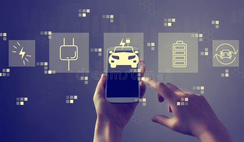 EV con lo smartphone immagine stock libera da diritti