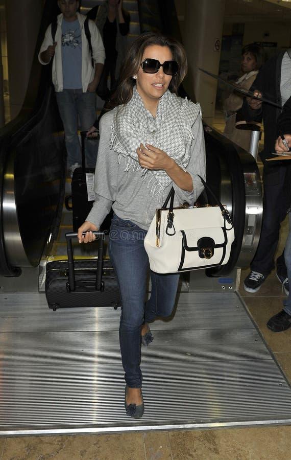 Eva Longoria en el aeropuerto de LAX imagen de archivo libre de regalías