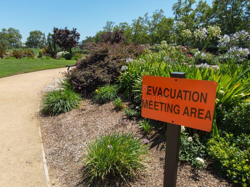 Evacuação que encontra a área, jardim da adega fotografia de stock royalty free