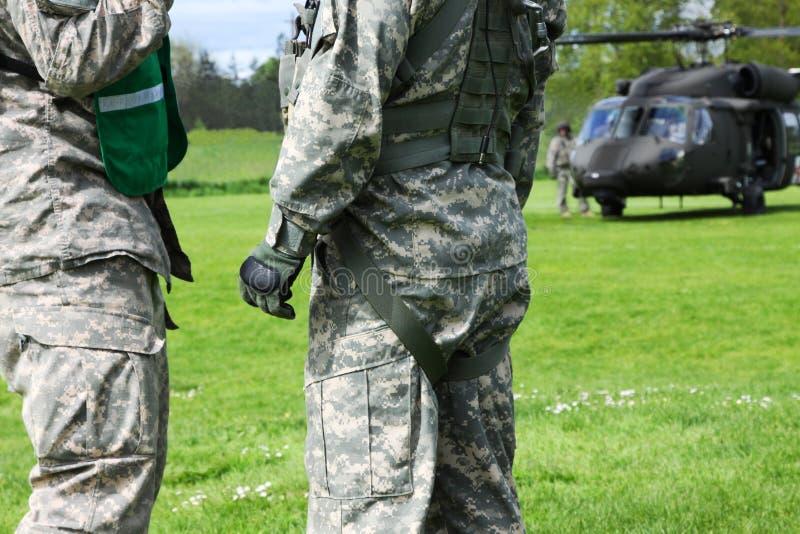 Evacuazione dell'elicottero di Blackhawk di disastro di emergenza immagine stock libera da diritti