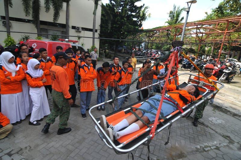 evakuera offer av olyckor från en höjd arkivfoton