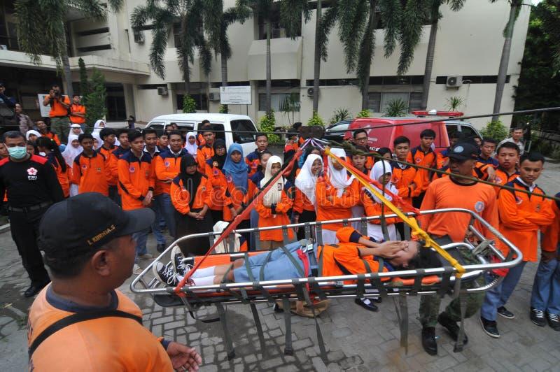 evakuera offer av olyckor från en höjd royaltyfria foton