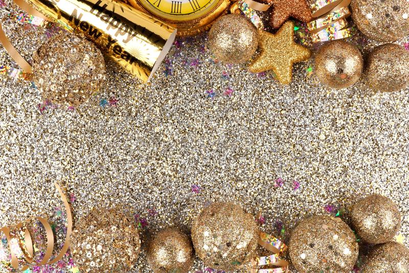Eve Новые Годы границы двойника над glittery предпосылкой стоковые изображения