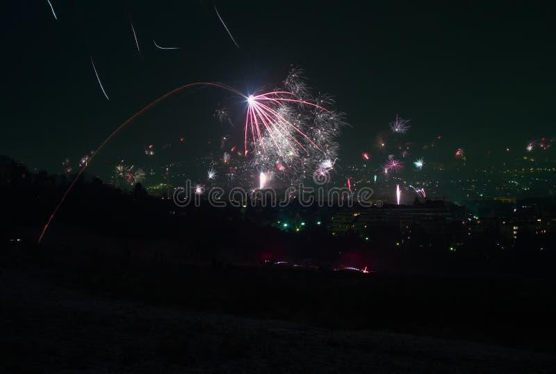 Eve Fireworks des neuen Jahres über Wien, Österreich lizenzfreie stockbilder