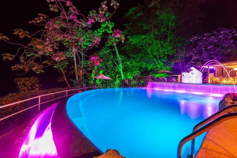 Evening światła przy basenem zdjęcie stock