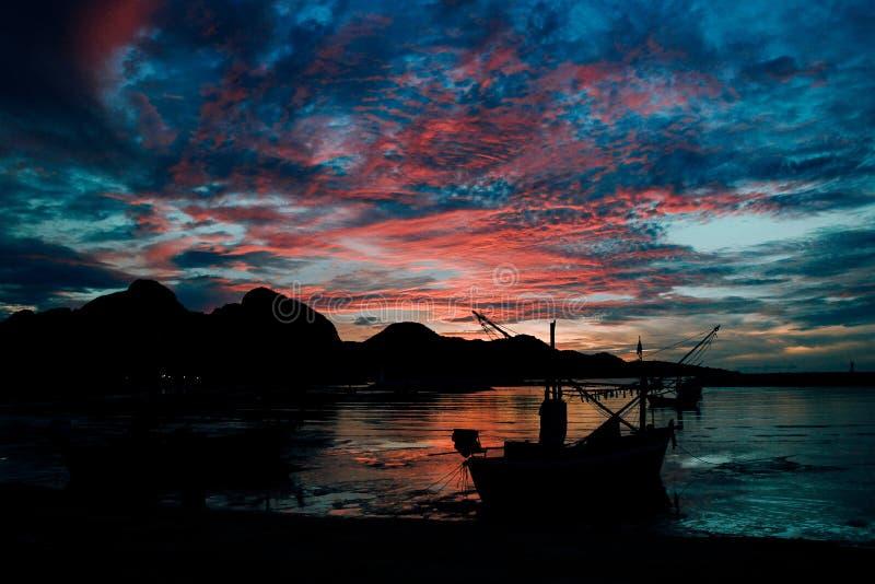 Evening light secretly horizon at sea. Sun, background, nature, sky, sunrise, summer, landscape, sunset, beautiful, travel, water, view, ocean, beach, orange royalty free stock photo