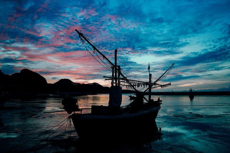 Evening light secretly horizon at sea. Sun, background, nature, sky, sunrise, summer, landscape, sunset, beautiful, travel, water, view, ocean, beach, orange stock image