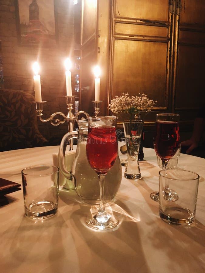 Evening Różanego wina Candlestick fotografia royalty free
