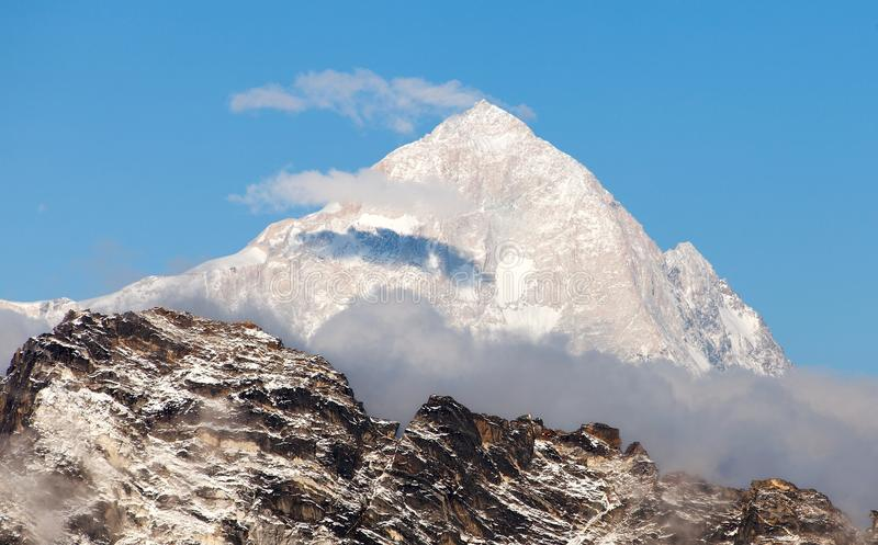 Evening view of mount Makalu. 8463 m from mount Gokyo ri - Way to Everest base camp, Everest area, Sagarmatha national park, Khumbu valley, Nepal stock images