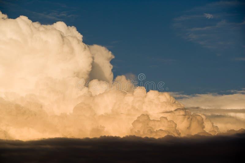 eveningclouds niebo obraz stock