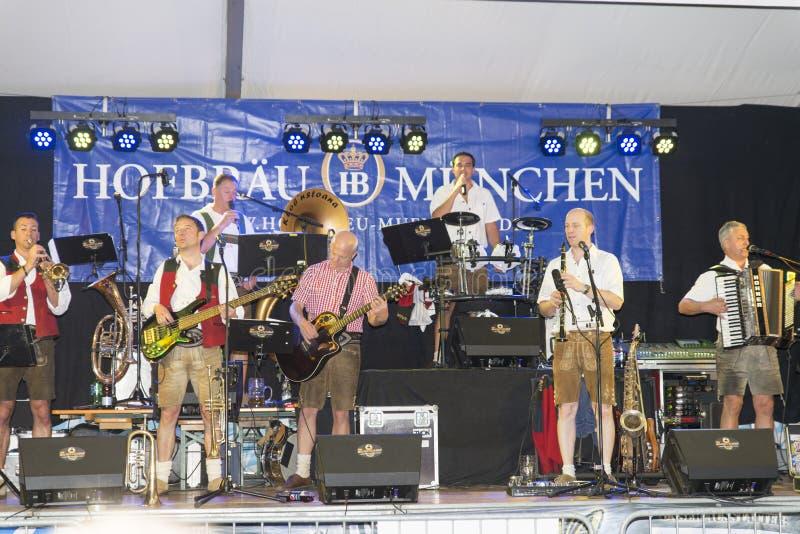 Download Evento De Oktoberfest En Génova, Italia Imagen de archivo editorial - Imagen de alegre, alineada: 44855309