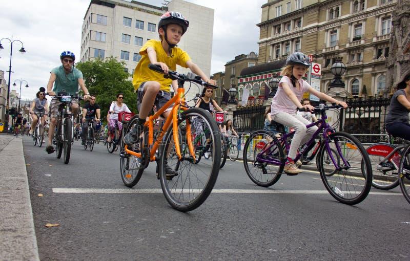 Evento do ciclismo de RideLondon - Londres 2015 foto de stock