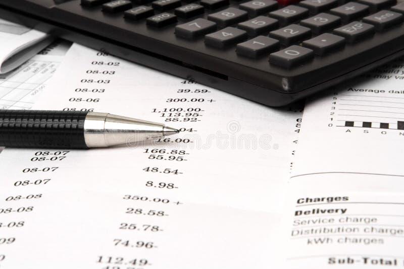In evenwicht brengende checkbook stock afbeelding