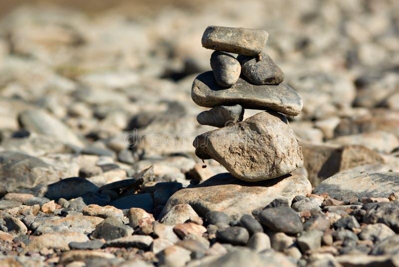 In evenwicht brengende rotsen royalty-vrije stock foto