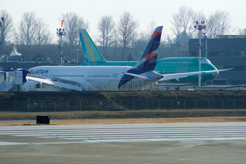 Download EVERETT, WASHINGTON, USA - JAN 26th, 2017: Boeing Production Site, The Huge Factory At Snohomish County Airport Or Paine Editorial Photography - Image of grounded, dream: 90749842