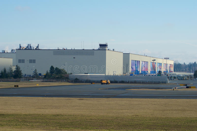 Download EVERETT, WASHINGTON, USA - JAN 26th, 2017: Boeing`s New Livery Displayed On Hangar Doors Of Everett Boeing Assembly Editorial Stock Photo - Image of commercial, industry: 90744733