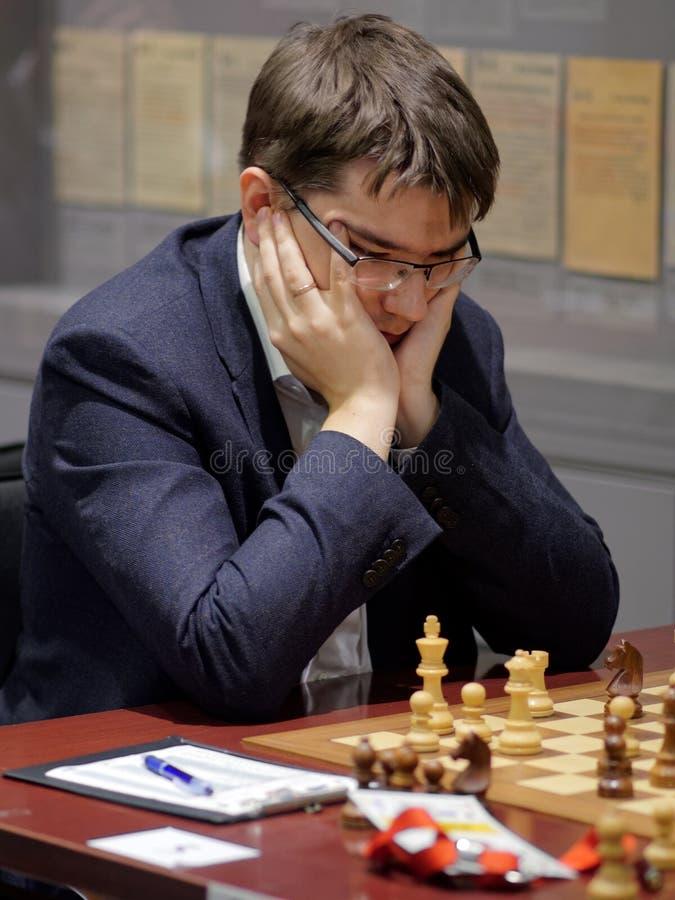 Evgeny Tomashevsky i toppen-finaler av den ryska schackmästerskapet royaltyfri bild