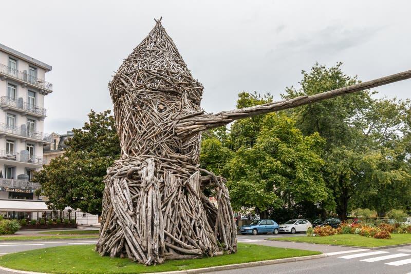 EVIAN-LES-BAINS FRANCE/EUROPE - SEPTEMBER 15: Pinocchio staty royaltyfria bilder
