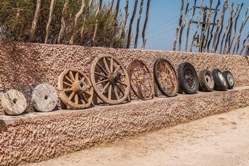 Evolución de ruedas fotografía de archivo