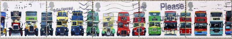Evolución del autobús de dos plantas inglés en 5 diversos sellos fotografía de archivo