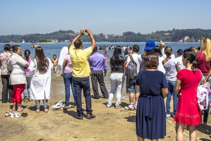 Ewangelicki kaznodziei ochrzczenie w wodzie obraz royalty free
