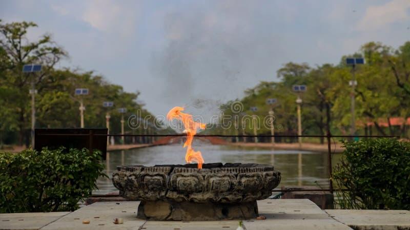Ewige Friedensflamme in Lumbini, Nepal stockfoto