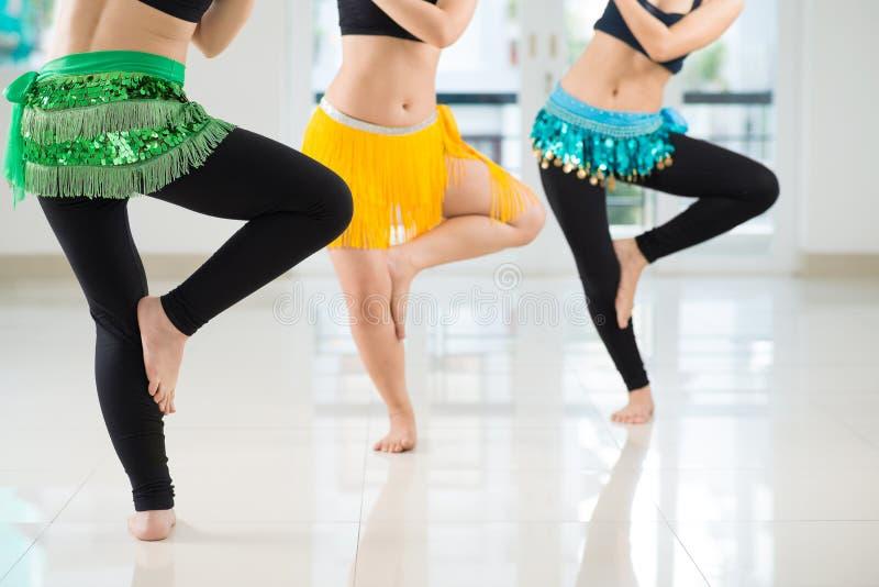 Exécution de danse de ventre photo libre de droits