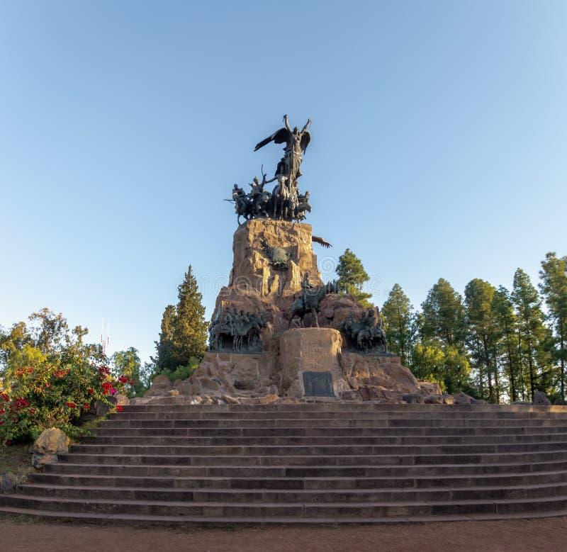 Exército do monumento de Andes em Cerro de la Gloria no general San Martin Park - Mendoza, Argentina imagem de stock