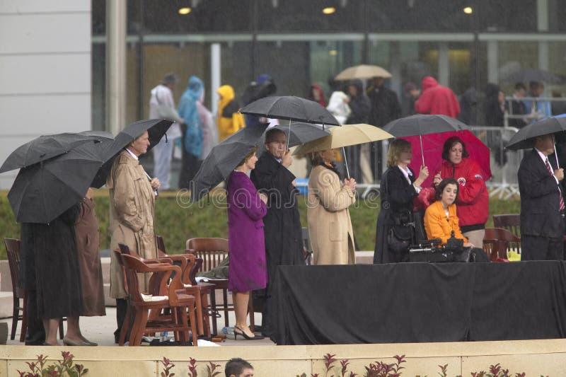 Ex-presidente dos Estado Unido George HW Bush, Laura Bush, presidente George W Bush, senhora anterior dos E.U. primeiros e senado fotos de stock royalty free