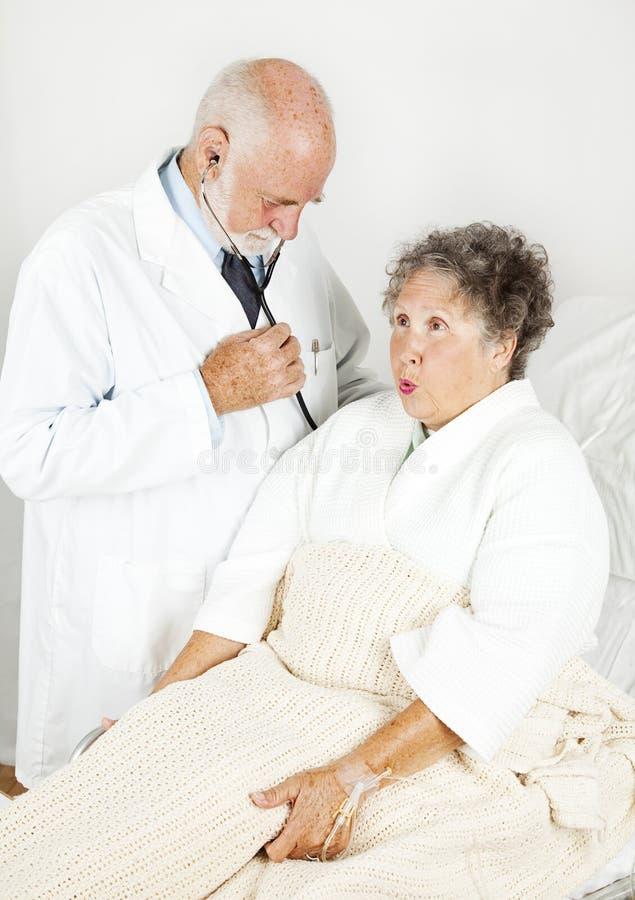 Exame médico no hospital foto de stock